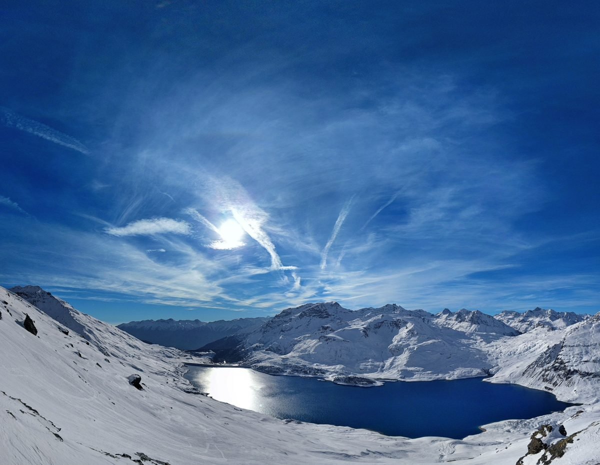 val cenis lake on sunny day